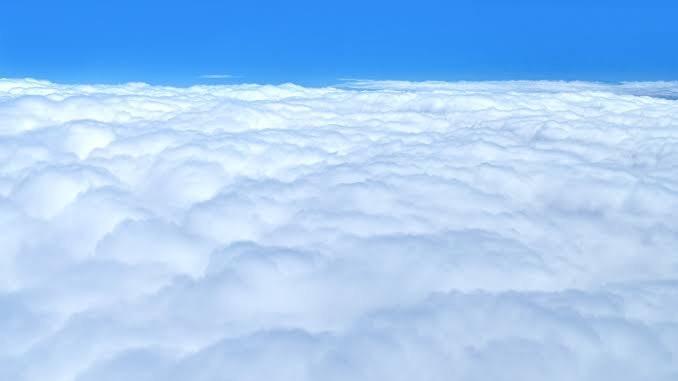 「努力」に関する良い意味の四字熟語②:雲外蒼天(うんがいそうてん)